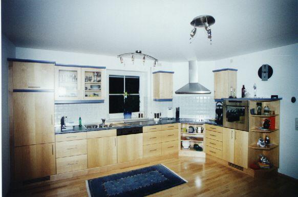 holzk chen schaffen ein angenehmes ambiente. Black Bedroom Furniture Sets. Home Design Ideas